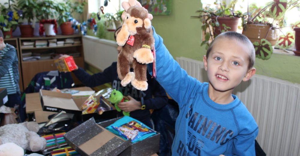 Große Freude über Weihnachtsgeschenke in Bulgarien